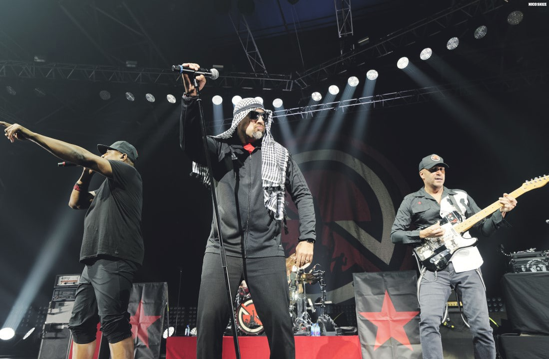 B-Real, Chuck D, Dj Lord, Prophets Of Rage - Aiiight